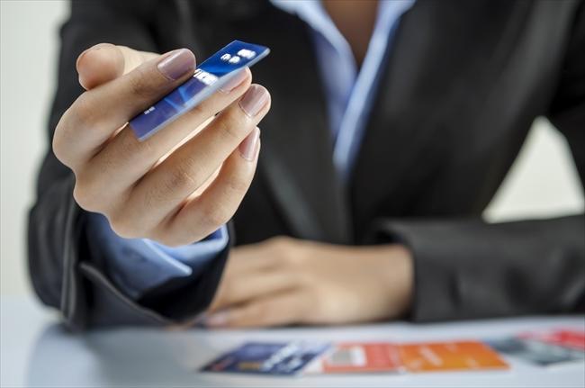 法人カード・au PAYプリペイドカードも利用可能