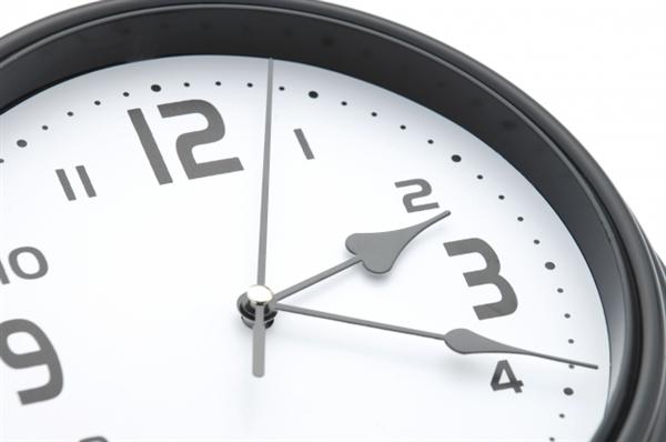 無店舗の業者は土日祝日でも24時間現金化できる