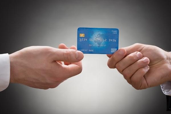 サポートギフトはクレジットカード情報が必要